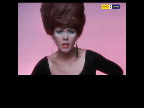 2704happy Birthday Kate Pierson B 52s Youtube