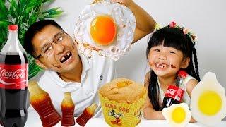 GUMMY BÍ MẬT – BÉ BÚN ĂN BÁNH VÀ ĂN TRỨNG SIÊU HÀI | gummy food vs real food | CreativeKids