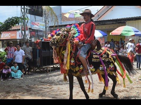 kuda-menari-muter2-jaranan-tri-manunggal-budoyo-genteng-banyuwangi
