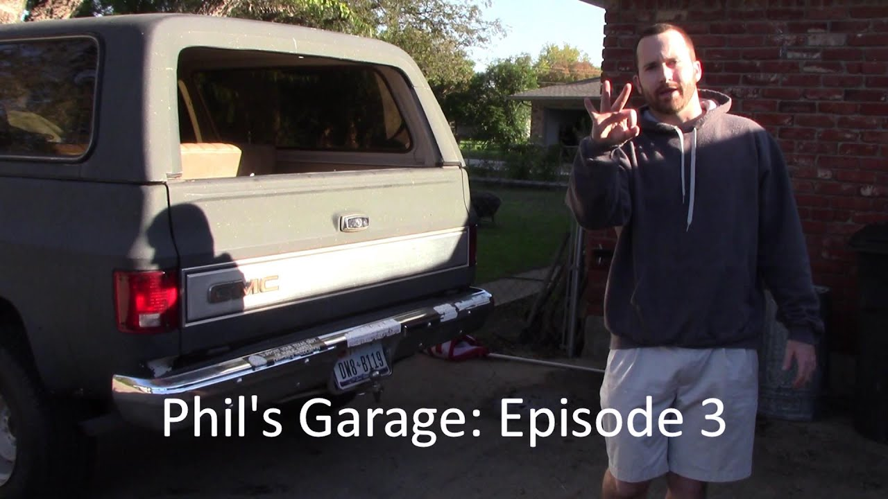 How to Remove the Tailgate from a GMC Jimmy or K5 Blazer ...