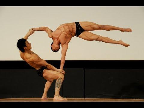 Çok Güzel Hareketler Bunlar -  Chinese Acrobats