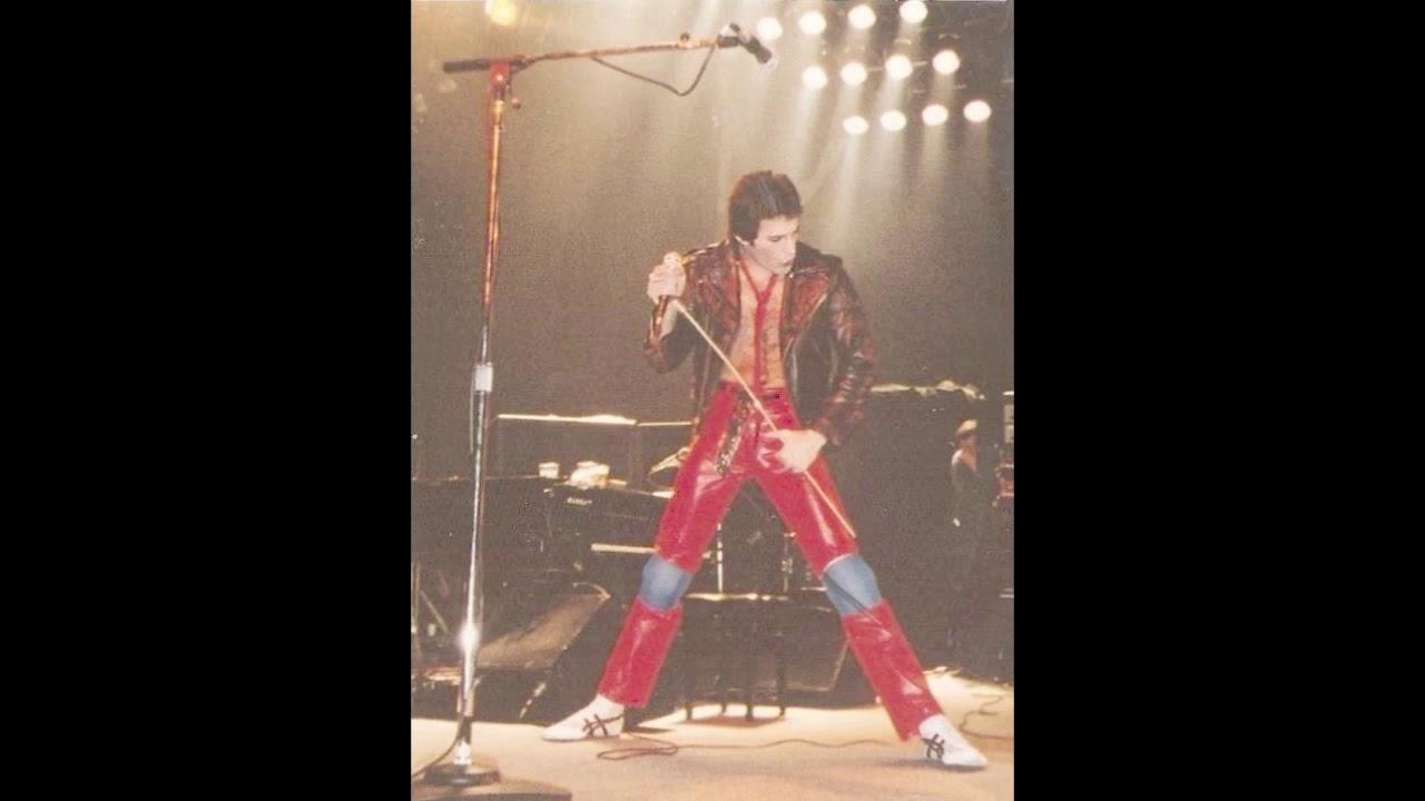 19  Instrumental Inferno/Guitar Solo/Brighton Rock (Reprise) (Queen-Live In  Liverpool: 12/6/1979)