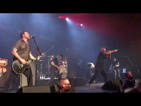 Hot Water Music ft. Tim Barry - Simple Song (Avail cover) - München @ Muffathalle - 2018 04 28