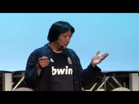 From 'fart people' to citizens on China's internet | Xiao Qiang | TEDxLiberdade