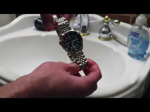 How To Clean Your Watch At Home   Featuring my SEIKO SKX009
