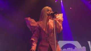 Poppy - Software Upgrade (Live at The Echoplex - LA) Resimi