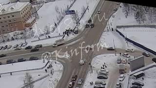Спешащий водитель сшиб ребёнка на перекрёстке в Сургуте