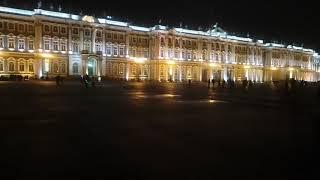 Дворцовая площадь в Питере 31-декабря 2017