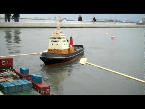 60 Inch RC Tug Eskgarth at New Brighton Lake, Wirral, Merseyside UK