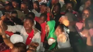Dip doundou guiss à Tamba Tamba : le public chante BANDIT