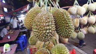 Nasi Goreng and Durian: Indonesian Street Food Tour at Mangga Besar, Jakarta, Indonesia!