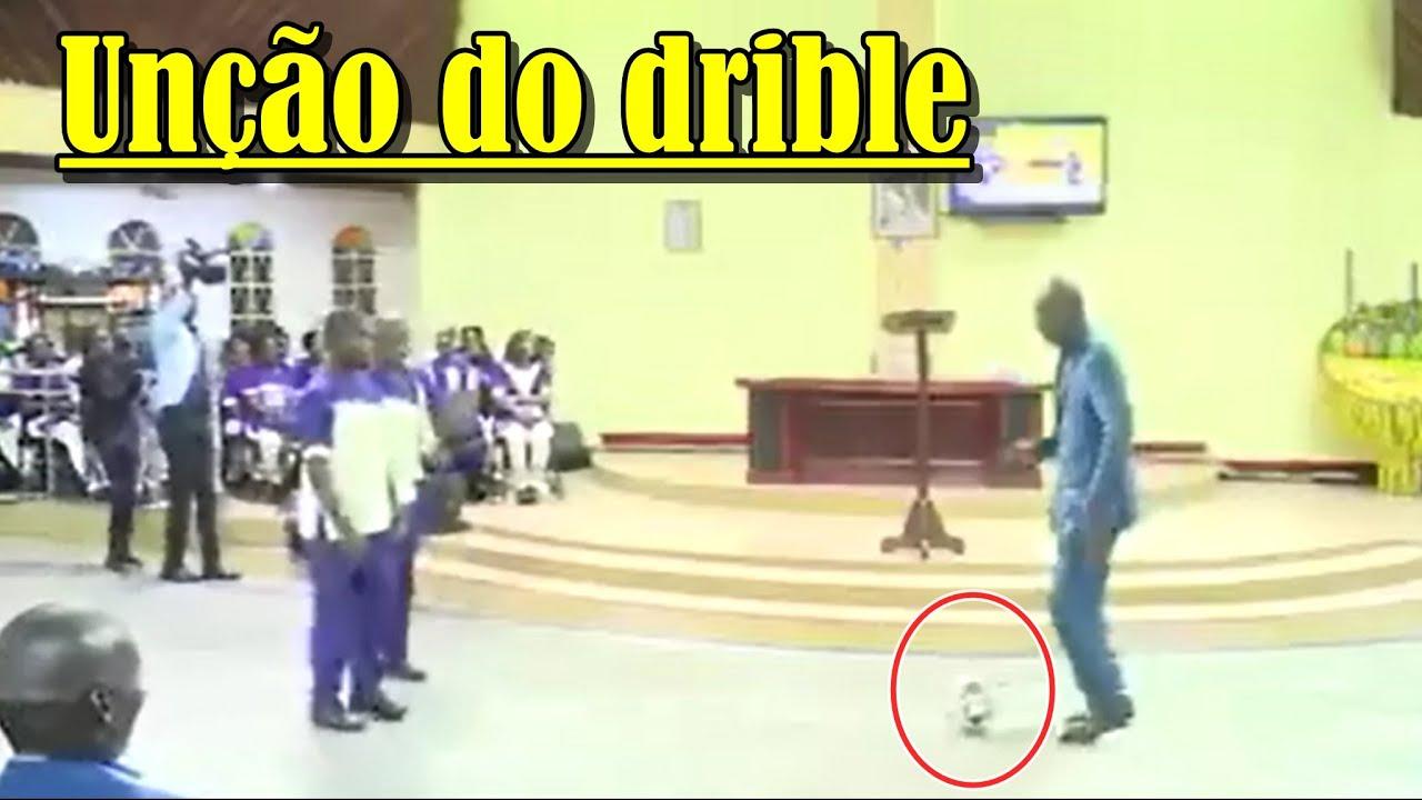 """""""Pastor"""" com a unção do Ronaldinho."""