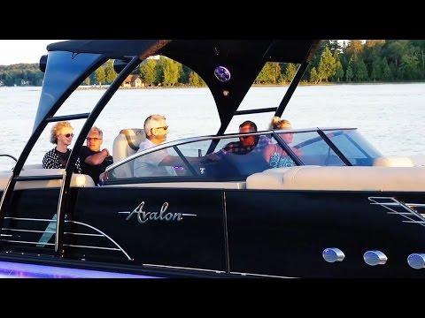 2017 Pontoon Boats AVALON WINDSHIELD | Our new pontooning option