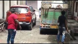 #Cow Unloading in Topsia from saksarhaat #2019