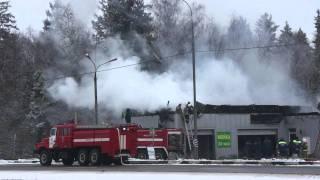 Пожар на автосервисе 65 км симферопольского шоссе(11 ноября сотрудники редакции городского портала Чехов.net стали свидетелями пожара на 65-ом километре автод..., 2011-11-12T06:54:19.000Z)