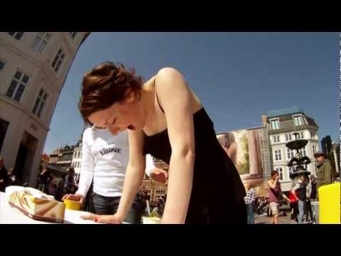Kleenex: Hidden camera prank in Copenhagen
