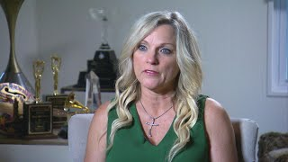 Country Singer Says Scammers Are Fooling Her Superfans