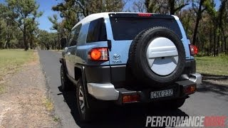 2014 Toyota FJ Cruiser 0-100km/h and engine sound