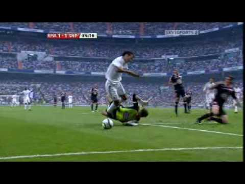 Cristiano Ronaldo's 1st Goal For Real Madrid in Spanish League