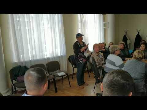 В Новомосковском исполкоме прошла рабочая встреча городских властей с родителями