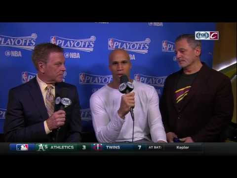 Cavs owner Dan Gilbert pops in on Richard Jefferson