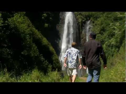 tour-jurassic-park-waterfall!!!