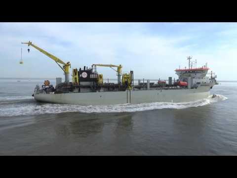 Saugbagger BARTOLOMEU DIAS auf der Elbe