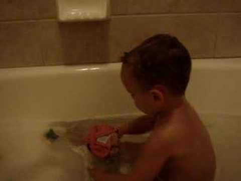 laughing toddler in bath tub - YouTube