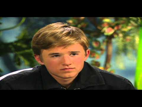 "Jungle Book 2: Haley Joel Osment ""Mowgli"" Interview"