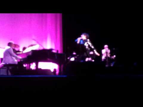 LIZA MINNELLI Credicard Hall Sao Paulo Show -Theme from New York, New York (1977) - 20120927.mp4