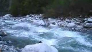 vuclip ngintip cewe mandi di sungai