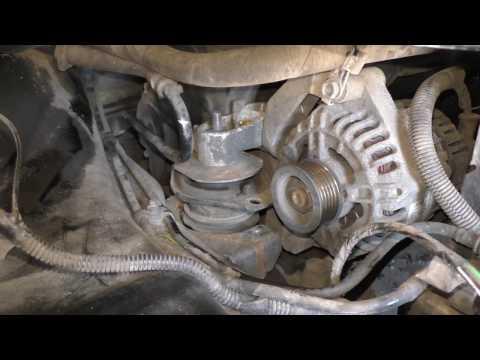 Как поменять ремень генератора на приоре 16 клапанной с кондиционером видео