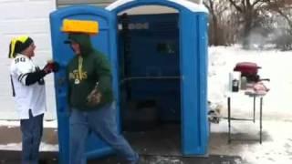 Packer fans porta potty