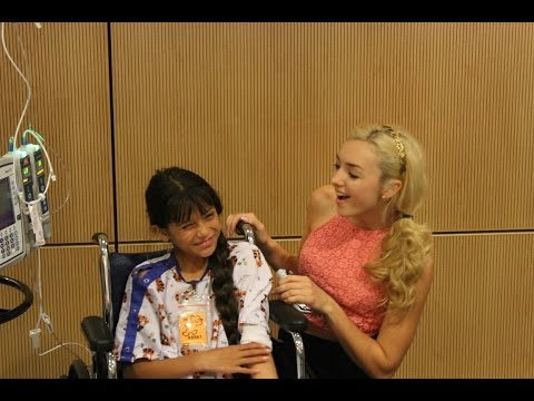Peyton List Sings A Taylor Swift Song At Seacrest Studios