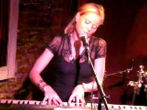 Jess King : Sara Bareilles and Leona Lewis Times a Hundred : Where is Celine Dion
