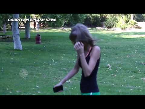 (VIDEO) Taylor Swift WORKOUT Backwards At Beverly Hills