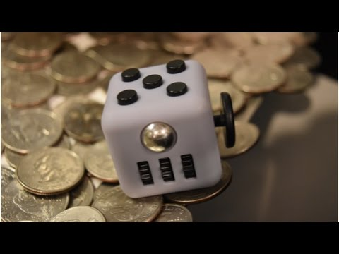 Coin Pusher || FIDGET CUBE ON THE EDGE!!!