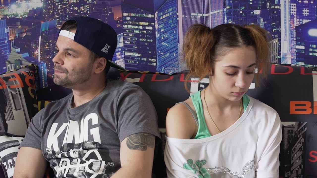 Папа с юной дочкой видео онлайн
