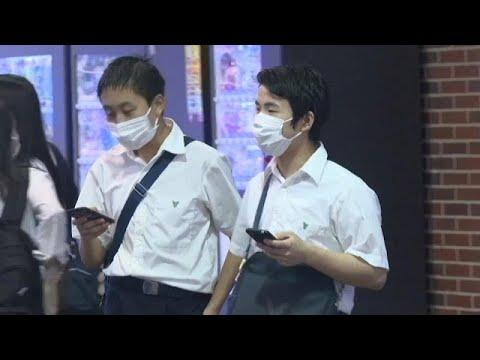 شاهد: مدينة يابانية تقدم نص قانون يمنع استخدام الهواتف أثناء المشي…  - نشر قبل 2 ساعة