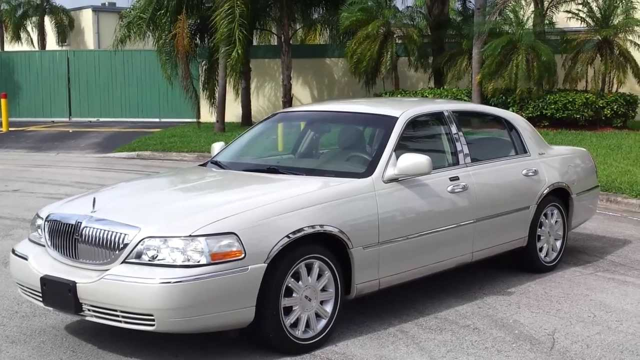For Sale 2005 Lincoln Town Car Signature Sedan Www Southeastcarsales