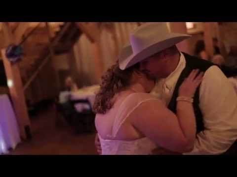 brian-+-jenny-headrick-//-oklahoma-barn-wedding