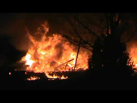 HOUSE EXPLODES IN NEWCOMERSTOWN,OHIO 1/26/16