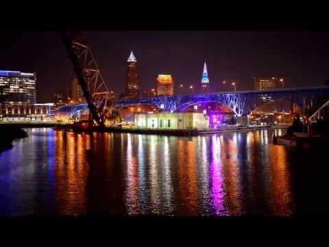 Cleveland's Terminal Tower Rainbow Disco Light Show!