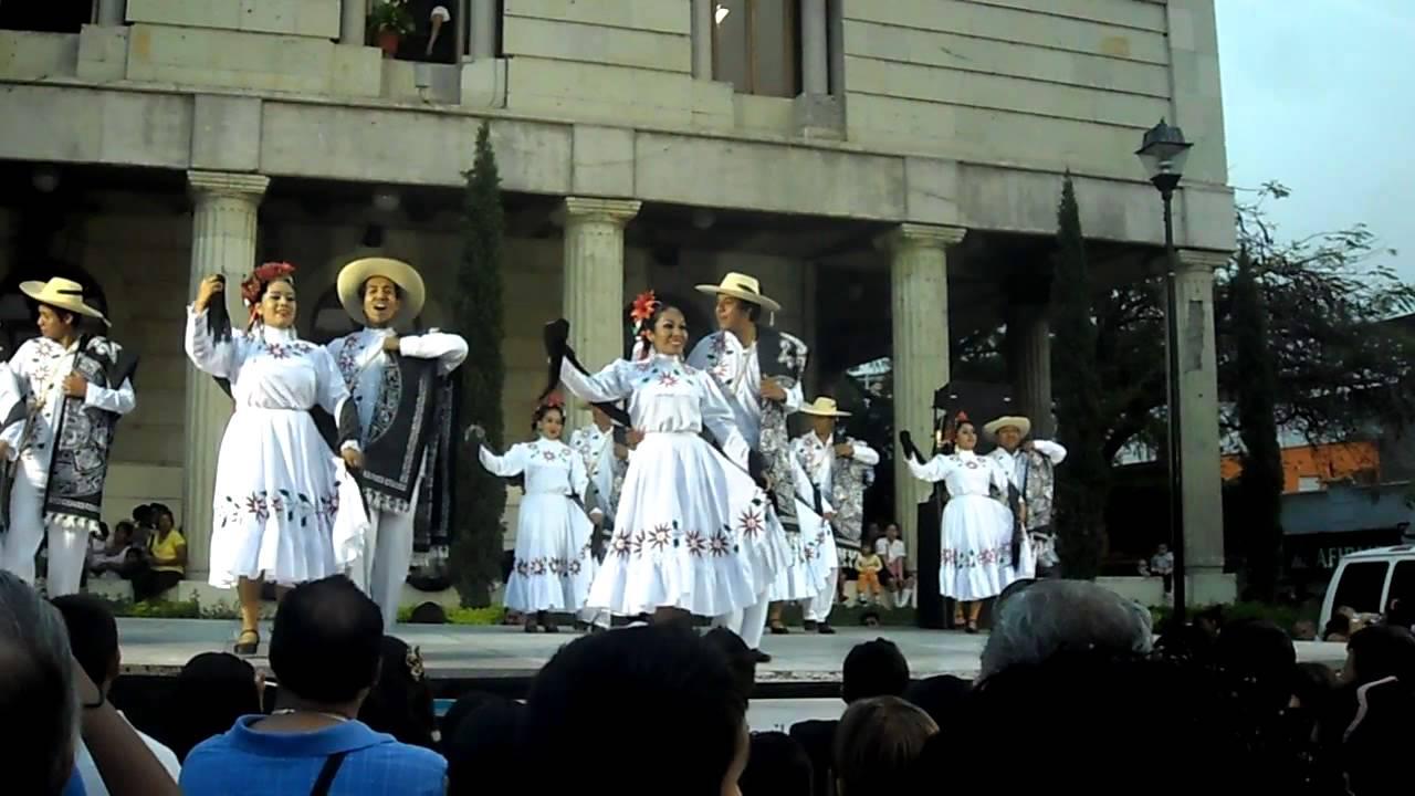 EL GABAN  Baile de Taxco de Alarcon  Ballet F Cuauhtli  U.A.Gro.