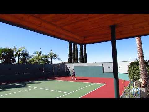 Tennis Estate For Sale on 898 Burma Road in Fallbrook, CA $1,099,000