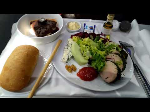 Latam airlines dreamliner 787-9 full flight from madrid to frankfurt business class, seat 1a
