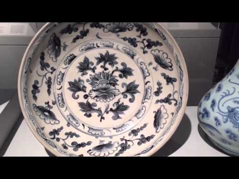 Whisper in museum - Chinese antiques