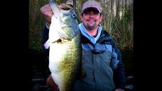 Giant 12 lb Bass Caught on Film! Lipless Crankbait Bass Fishing