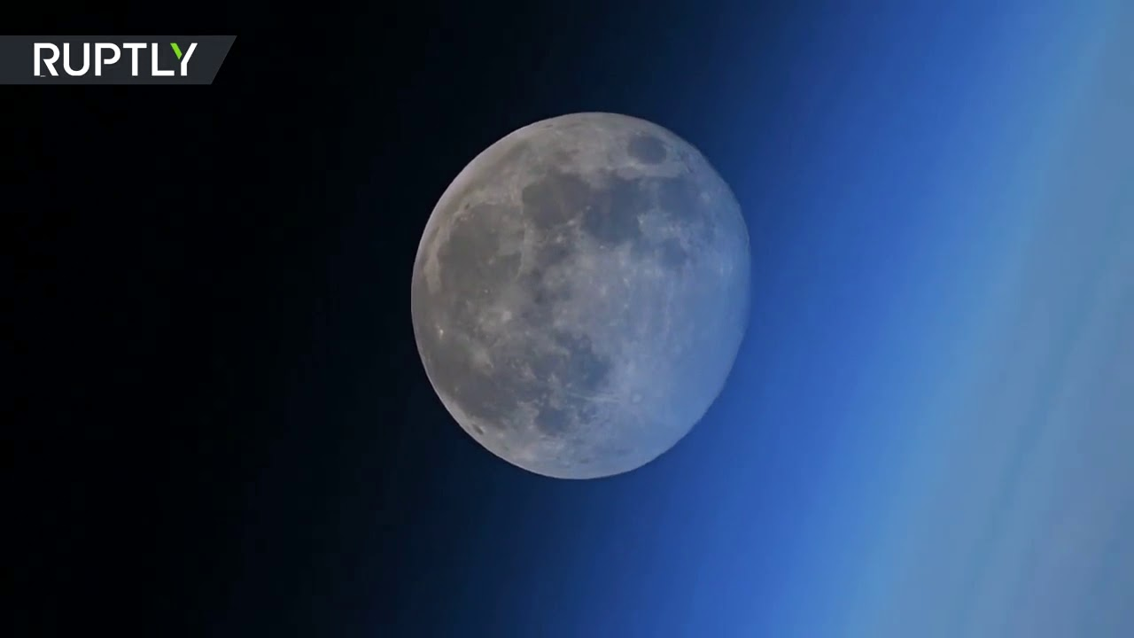 The Moon Shrinks at the Event Horizon - Lord Steven Christ's Concave Earth