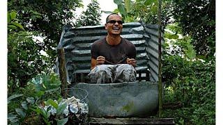 Khi anh Tây về miền quê Việt Nam đi toilet  và cái kết $ Happy chanel